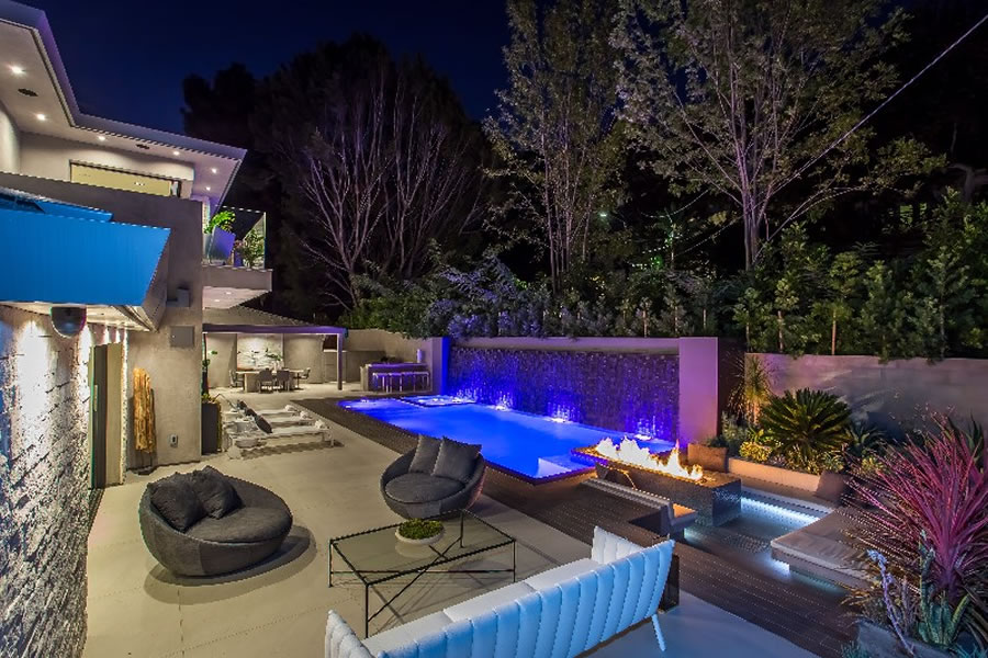 Los Angeles Pool Builders And Pool Designer